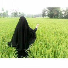 Hijab Niqab, Muslim Hijab, Hijabi Girl, Girl Hijab, Latest Arabic Mehndi Designs, Muslim Culture, Hijab Dpz, Niqab Fashion, Muslim Women Fashion