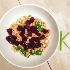 Asia meets Italy: riceless risotto with beets * Kika kooks klean Vegan Risotto, Beets, Hummus, Whole Food Recipes, Rice, Vegetarian, Italy, Asian, Cooking