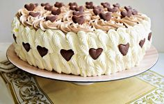 Tort aniversar cu nuci și dulce de leche - Rețete Merișor Romanian Desserts, Romanian Food, Food Cakes, Cupcake Cakes, Cupcakes, Baking Recipes, Cake Recipes, Homemade Cakes, No Bake Cake