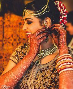 #mehndi #bridalphotography #bridalmakeup #photography #hairstyle #bun #jewellery #indianweddinginspiration