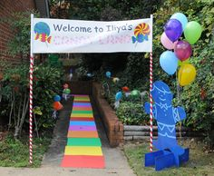 Candy Land birthday party entrance. What a fantastic way to welcome guests & give them a glimpse of what's in store. #kids #outdoor