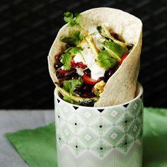 Vaihtelua puurolle: värikäs aamiaisburrito on vartissa valmis. http://www.menaiset.fi/artikkeli/sport/vaihtelua-puurolle-varikas-aamiaisburrito-vartissa-valmis