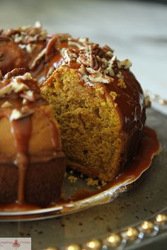 Pumpkin Spice Bundt Cake with Caramel Pecan Glaze | Fall baking
