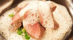 Lamm in Knoblauch-Buttermilch pochiert