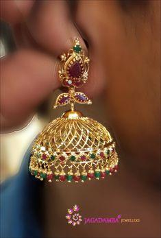 1 gram Gold Temple Jewellery, Gold Wedding Jewelry, Gold Rings Jewelry, Gold Jewelry Simple, Gold Jhumka Earrings, Indian Jewelry Earrings, Jewelry Design Earrings, Gold Earrings Designs, Bangles
