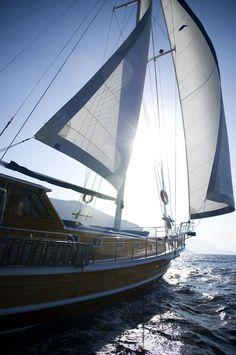 Sailing Croatia  http://www.sailing-croatia.net/photoGallery/47.jpg