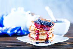 Haver-Banaan+pannenkoekjes+met+rood+fruit.