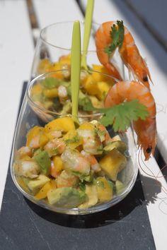 Gourmet recipes by Kélou: avocado-mango-shrimp verrines Source by sylviekan Night Dinner Recipes, Healthy Dinner Recipes, Cooking Recipes, Meat Appetizers, Vegetarian Appetizers, Tapas, Hamburger Stew, Clean Eating, Brunch