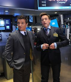 "Jeremy Renner Photos - Robert Downey, Jr. And Jeremy Renner Join Marvel Entertainment Executives Ring The NYSE Opening Bell In Celebration Of ""Marvel's Avengers: Age Of Ultron"" - Zimbio"
