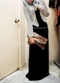 Long maxi dress and dotty blazer Islamic Fashion, Muslim Fashion, Modest Fashion, Hijab Fashion, Fashion Outfits, Beautiful Hijab, Beautiful Outfits, Turban, Modest Outfits
