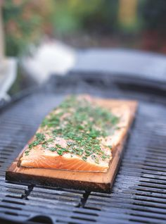 Learn the best meals and treats Ricardo Cuisine has to offer you and those you love. Fun Easy Recipes, Top Recipes, Salmon Recipes, Seafood Recipes, New Pressure Cooker, Honey Shrimp, Plank Salmon, Thai Chicken Salad, Ricardo Recipe