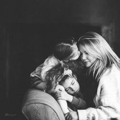 family portrait black and white Woods Photography, Lifestyle Photography, Children Photography, Indoor Family Photography, Glamour Photography, Editorial Photography, Fashion Photography, Family First, Family Love