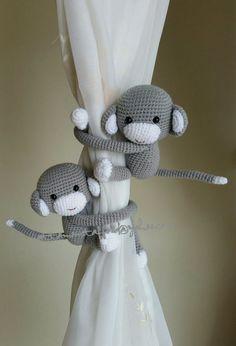 ARTIKELBESCHREIBUNG  Alle meine Handarbeit häkeln-Affen sind mit Liebe, Sorgfalt und in bester Qualität finden Sie. Mein gehäkelt Affe Vorhang Raffhalter werden der perfekte Schliff für Ihre Vorhänge. Sie werden ein schönes Geschenk für jedermann, für ein Weihnachtsgeschenk, Geschenk für eine Mutter, ein Baby-Dusche für jeden besonderen Anlaß und für jemanden, den Sie lieben.  Diese Affen Vorhang Raffhalter vervollständigt das Aussehen Ihrer Fenster und machen sie abheben und festgestellt…