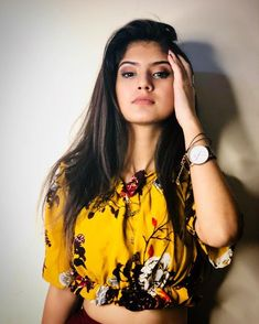 Stylish Girl Images, Stylish Girl Pic, Most Beautiful Indian Actress, Beautiful Actresses, Stylish Photo Pose, Teen Celebrities, Celebs, Girl Attitude, Cute Girl Pic