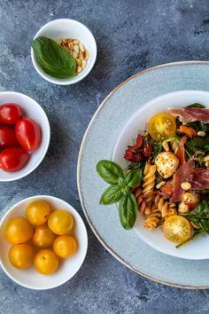 Salate Archives - babyrockmyday.com Zucchini, Prosciutto, Mozzarella, Allrecipes, Cantaloupe, Keto, Salad, Fruit, Ethnic Recipes