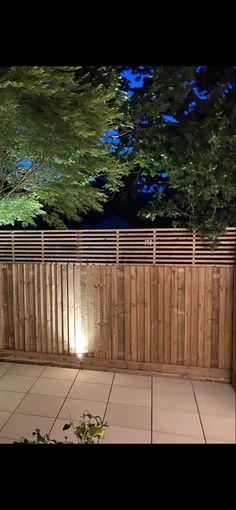 Trellis Fence Panels, Slatted Fence Panels, Garden Fence Panels, Patio Fence, Garden Privacy, Backyard Fences, Backyard Pool Designs, Modern Backyard, Horizontal Slat Fence
