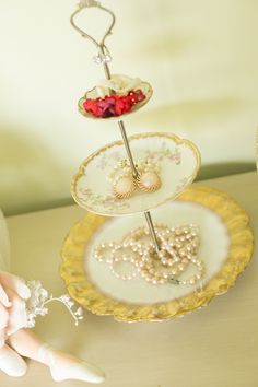 Vintage Cake Stands, Floral Arrangements, Centerpieces, Romantic, Homemade, Create, Gifts, Collection, Presents