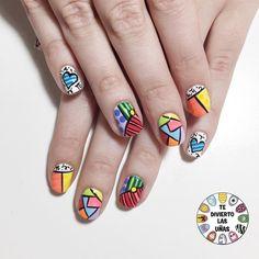 Miren que pedazos de uñas inspiradas en el arte de Romero Britto que hicimos  Les gustan?