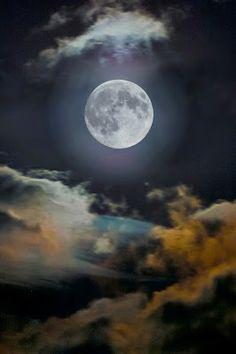 FÁTIMA ABREU- Fatuquinha: LAR, POESIA, CONTOS E AMIZADE: O Grito: Para Não Dizerem, Que Não Falei Da Lua......