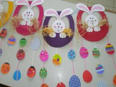 Searching for easy and innovative ideas for Easter crafts for kids? Check out some really fun Easter craft ideas for preschoolers. Easy Easter Crafts, Easter Art, Easter Projects, Bunny Crafts, Easter Crafts For Kids, Easter Bunny, Easter Activities, Preschool Crafts, Preschool Kindergarten