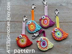 Crochet pattern BIRD key ring by ATERGcrochet - sophia. Crochet Birds, Crochet Motifs, Cute Crochet, Crochet Crafts, Crochet Projects, Crochet Amigurumi, Crochet Toys, Knit Crochet, Pdf Patterns