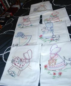 KITCHEN TOWELS Sunbonnet Sue and Kitten  - Hand  Embroidered, Brand New Full Set - Vintage Pattern Days of the Week Kitchen Tea Towels -. $40.00, via Etsy.