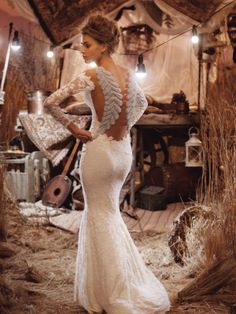From deep dips to embellished illusions and sexy slits, these backs will make sure you look just as good receding from the aisle as you do walking down it. Please contact the designer for authorize…