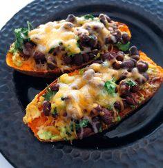 Mexican Sweet Potato Toast is the cure for any crispy, carb-y, toast craving. Chili powder, cheese and so much more. Get the healthy recipe here. Mexican Sweet Potatoes, Sweet Potato Toast, Sweet Potato Recipes, Quick Recipes, Beef Recipes, Whole Food Recipes, Vegetarian Recipes, Healthy Recipes, Zoodle Recipes
