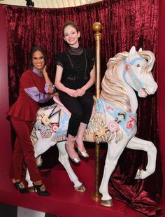 Mackenzie Foy and Misty Copeland Were So Adorable at The Nutcracker and the Four Realms Pop-Up Event in New York City Ballet Dance Photography, Mackenzie Foy, Twilight Movie, Twilight Saga, Paris Opera Ballet, Ballerina Project, Misty Copeland, Ballet Dancers, Ballerinas