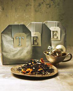 Wintertee: 1 kleine Bio-Orange 1 ½ EL getrockneter Ingwer 1 Stange Zimt 1 Sternanis 50 Gramm Ostfriesen-Teemischung 1 EL Earl-Grey-Tee