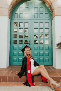 Nursing Graduation Pictures, Graduation Images, College Senior Pictures, Graduation Picture Poses, College Graduation Pictures, Graduation Portraits, Graduation Photoshoot, Senior Photos Girls, Grad Pics