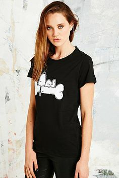 Rodnik x Peanuts Snoopy Sleep Tee in Black - Urban Outfitters