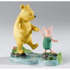 Winnie The Pooh - Pooh & Piglet on stepping stones - figurine