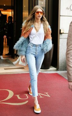 Winter Mode Outfits, Winter Fashion Outfits, Look Fashion, Fashion Models, Gigi Hadid Photoshoot, Gigi Hadid Outfits, Looks Gigi Hadid, Gigi Hadid Style, Celebrity Outfits