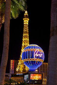 mi nombre es Ashleigh yo he viajado a Vegas. He ido con me amiga y ella familia. El visitamos Harley Tienda Davidson.