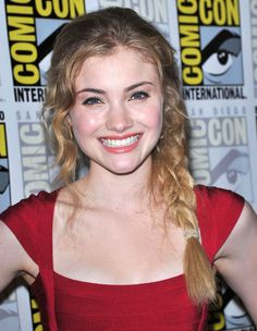 Skyler Samuels Golden Age Of Hollywood, Classic Hollywood, Mac, Female Characters, Actors & Actresses, March, Poppy