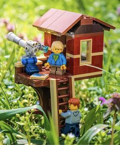 Lego Tree House, Lego Boxes, Lego Furniture, Lego Sculptures, Micro Lego, Lego Pictures, Lego Worlds, Cool Lego Creations, Lego Photography