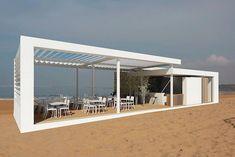Restaurant in Cadiz Spain Outdoor Restaurant Design, Container Shop, Beach Cabana, Beach Cafe, Garden Cafe, Modern Outdoor Furniture, Beach Villa, Beach Design, Rooftop Bar