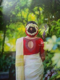 Wedding dresses simple low back brides 44 Ideas Kerala Saree Blouse Designs, Saree Blouse Neck Designs, Saree Blouse Patterns, Fancy Blouse Designs, Bridal Blouse Designs, Traditional Blouse Designs, Saree Dress, Lehenga Blouse, Sumo