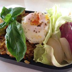 冷やご飯がたくさんあって - 79件のもぐもぐ - 冷やご飯につきカレー焼き飯弁当 by sasachanko