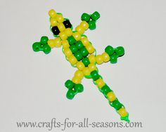 Learn how to make a plastic lanyard lizard at Crafts For All Seasons.