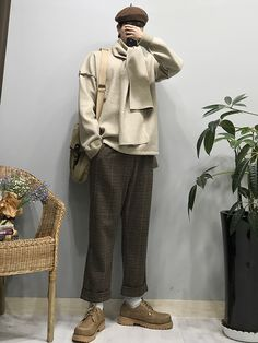 In Fashion Mens Coats Info: 9412620931 Korea Fashion, Japan Fashion, Boy Fashion, Retro Fashion, Mens Fashion, Vintage Style Outfits, Chic Outfits, Fall Outfits, Japan Outfits