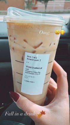 Coffee Drink Recipes, Coffee Drinks, Iced Coffee, Starbucks Secret Menu Drinks, Starbucks Coffee, Refreshing Drinks, Yummy Drinks, Starbucks Specials, Smoothie Drinks