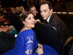 Emmy Awards 2014 - Caught Off-Guard! Behind-the-Scenes Moments You Missed | OFF WITH A BANG | Commercial break chat time! Nominee Mayim Bialik steals a moment with her The Big Bang Theory costar (and outstanding actor in a comedy series winner) Jim Parsons.