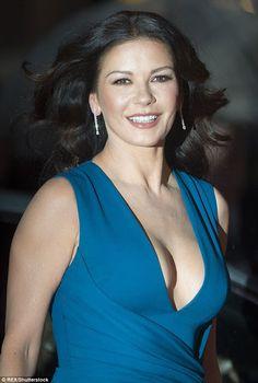http://www.galaxypicture.com/2016/11/catherine-zeta-jones-hollywood-actress.html