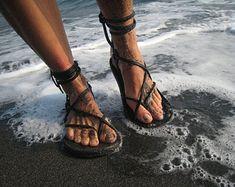 Unisex Maori Sandal / Chocolate Brown Handmade Leather Adjustable Women Men Lace Up Sandals Flats Renaissance Minimalist Light Durable Women's Lace Up Sandals, Lace Up Shoes, Flat Sandals, Gladiator Sandals, Shoes Sandals, Crochet Sandals, Gladiators, Strappy Sandals, Flat Shoes