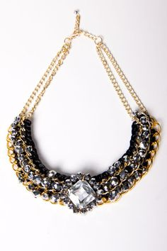 Website for statement necklaces and other accessories