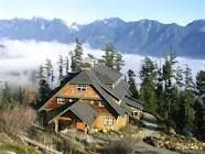A beautiful retreat on the hillside overlooking mountains and ocean - Bowen Island, British Columbia Very special indeed!