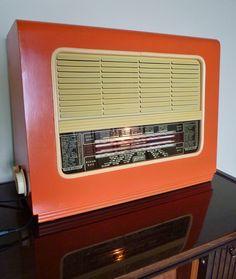 1953 Regentone Vintage Valve Radio