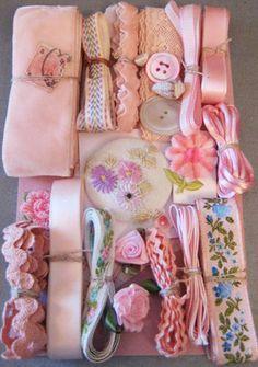 Crazy Quilt Embellishment Assortment - Pink Light